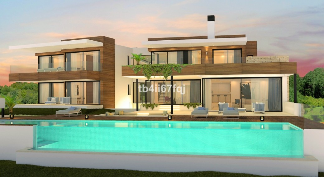 5 Bed Luxury villa first line to the golf resort of Los Flamingos Golf Resort. The villa has sea views with an infinity pool. Off plan villas like this do not come around often.