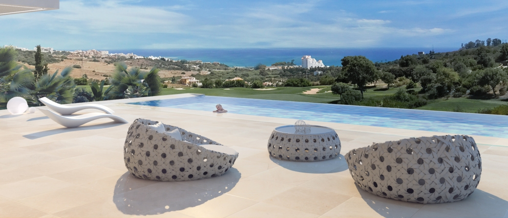 Inifinity pool from the brand new off plan development in Estepona. Off plan villas for sale in Estepona with sea views, private pool and full golf course views.